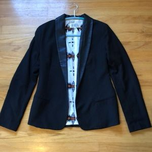 BB Dakota black blazer with faux leather collar